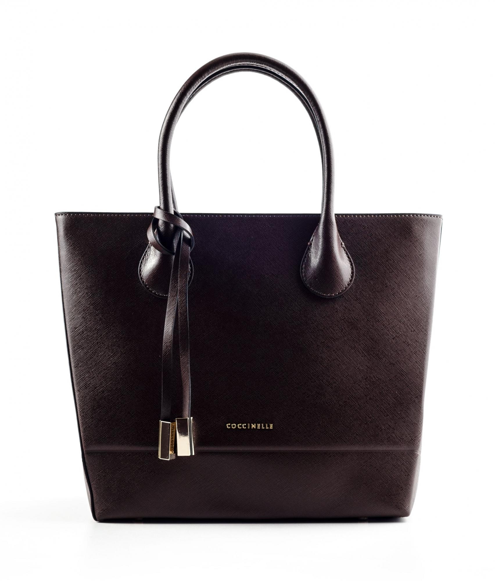 Как ты носишь сумку — узнай о своем характере