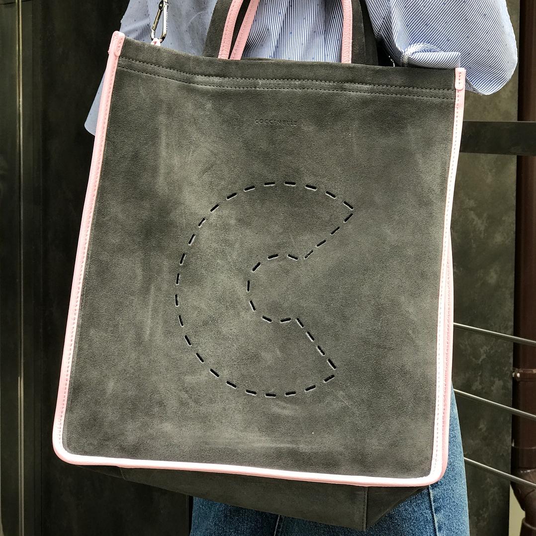 Сумка-шоппер Coccinelle из новой коллекции